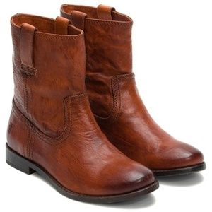 Frye Anna Shortie Pull on Leather Boots Cognac